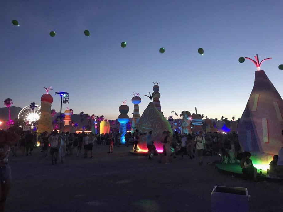 Coachella__crushandglow_festival_organic_palm_trees_night_life.jpg